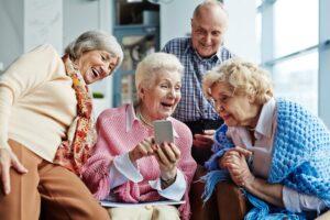 Επιδράσεις των Mobile Games σε Mέτρα Eπιλεκτικής Προσοχής και Μνήμης Εργασίας σε Ηλικιωμένους
